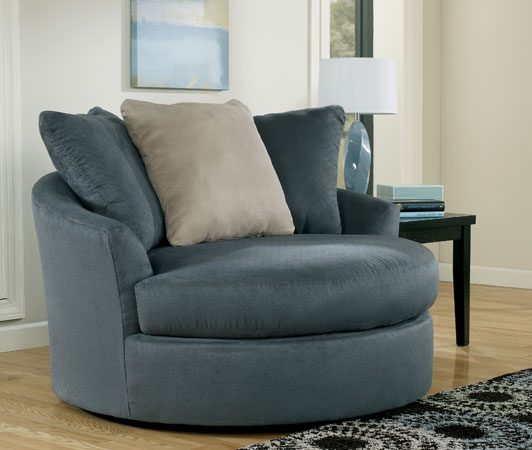 Oversized Swivel Accent Chair 532 x 450