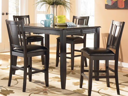 Carlyle Pub Table W 4 Swivel Bar Stools